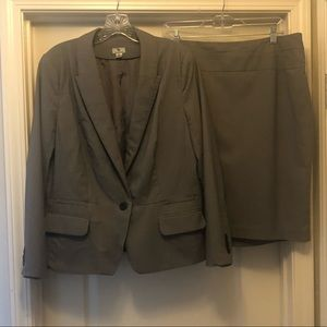 2-piece Worthington gray skirt suit